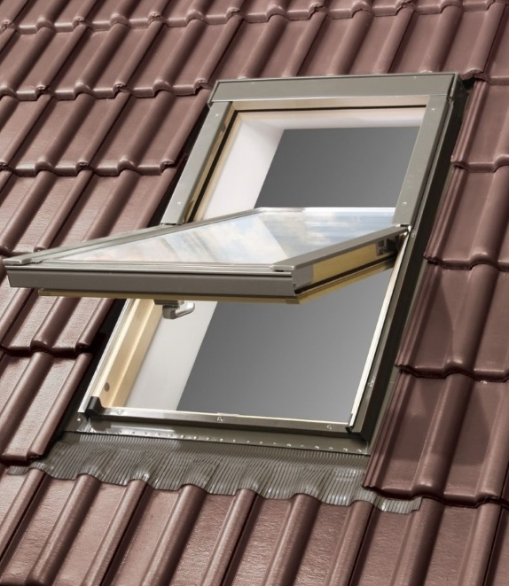 optilight velux style roof window 55 98 incl free flashing ak roof windows. Black Bedroom Furniture Sets. Home Design Ideas